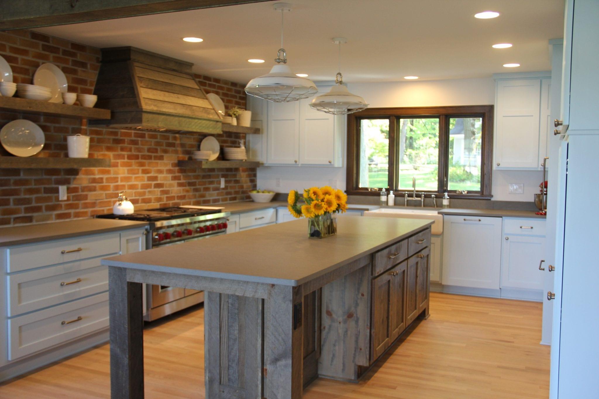 Building with Barnwood: Incorporating Reclaimed Barnwood